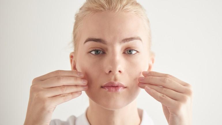 Joga twarzy – jak wykorzystać smart aging w swojej codziennej pielęgnacji?