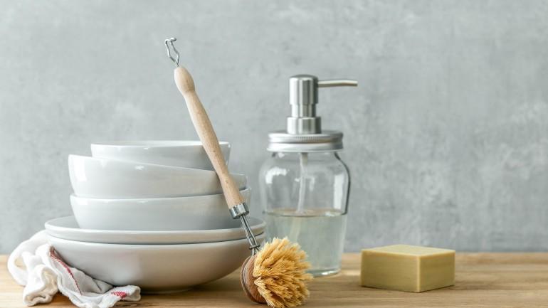 Sprawdzony i naturalny płyn do mycia naczyń. Sprawdź, receptę na bycie bardziej zero waste