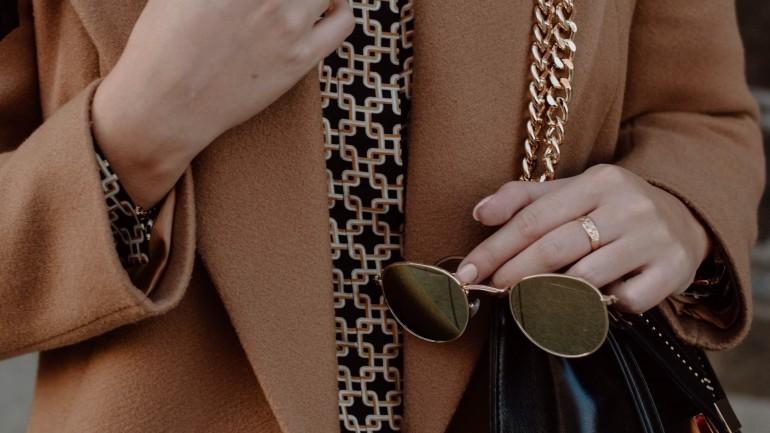 5 modnych płaszczy na jesień w minimalistycznym stylu